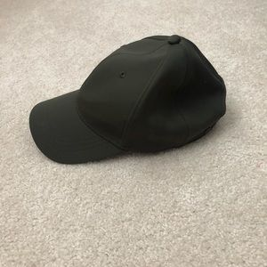 EUC💚 Lululemon Olive Green Hat